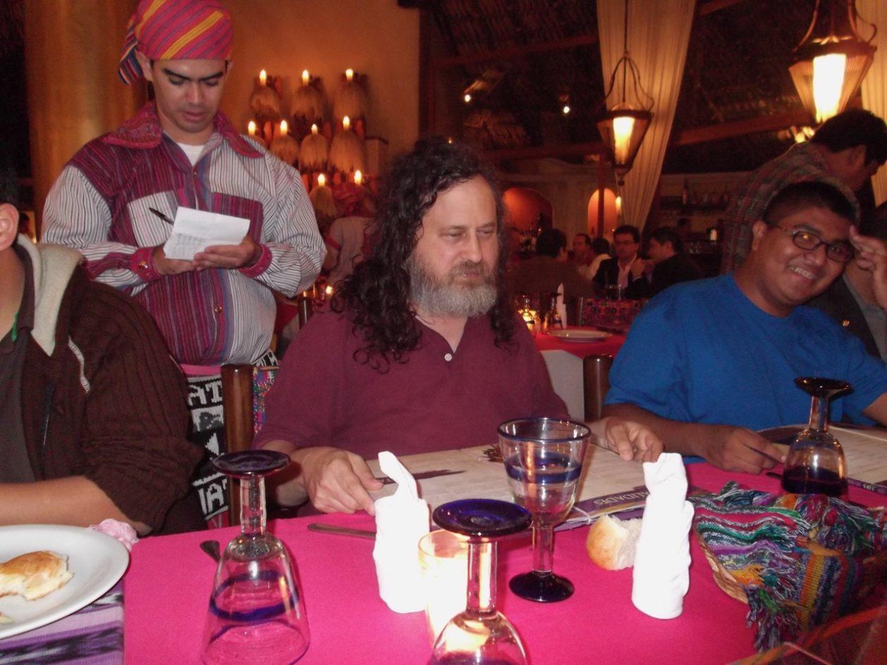 Cenando con Richard Stallman